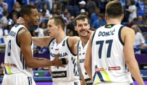 Slovenia_Celebrates_Victory_Against_Greece-670x388
